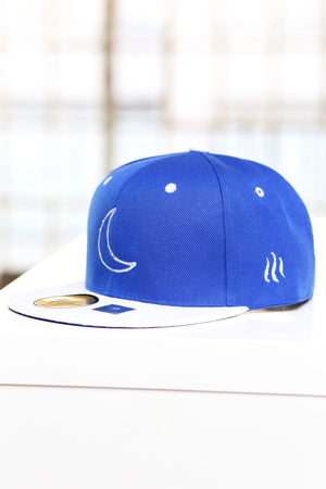 Crescent Moon (outline series) snapback, blue/white