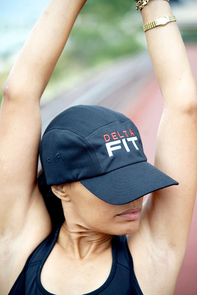 Delta FIT 5-Panel Dri-Fit/EvapoWEAR™ performance cap, black