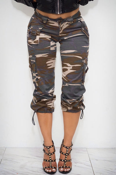 Ma'am yes Ma'am cargo capris, camouflage