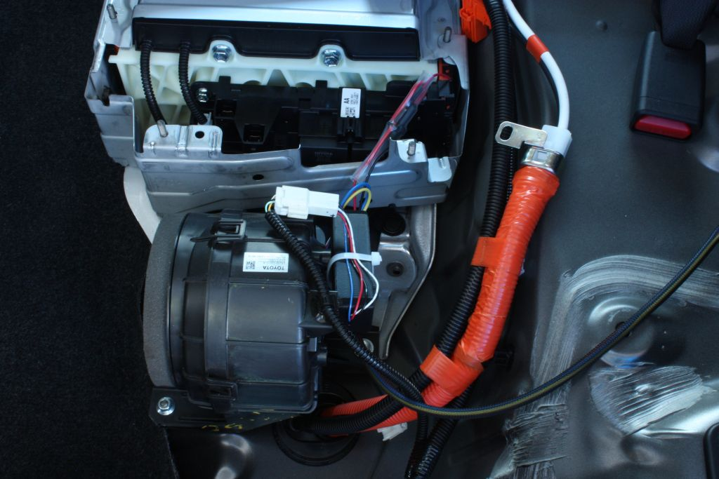 2012 2015 toyota prius c aqua installation instructions 33 using large zip tie provided secure hybrid battery cooling fan control box and fan wire harness to existing wire harness as shown