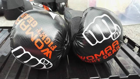 Womaa Fight Gear Points Gloves Black/White/Red