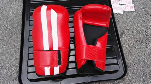 Womaa Fight Gear Points Gloves Red/Gold