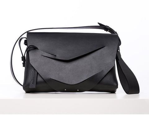 Boomerang Hybrid Bag in Black