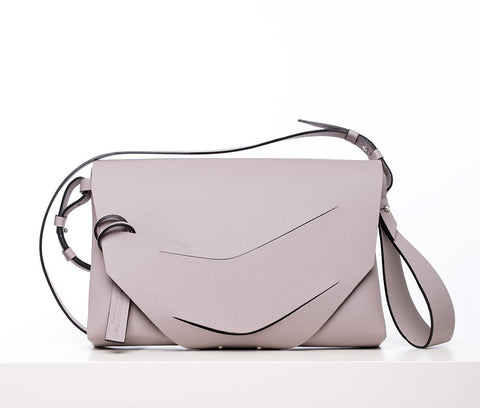 Boomerang Hybrid Bag in Light Taupe