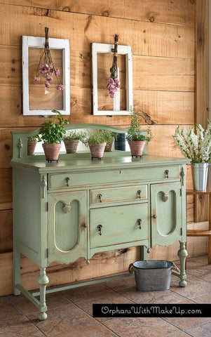 Green dresser by Orphanswithmakeup.com