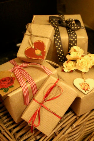 Vintage Inspired Christmas Gift Wrapping Ideas