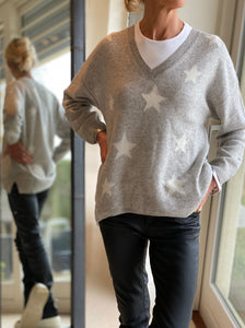Cashmere Grey and White Star V neck