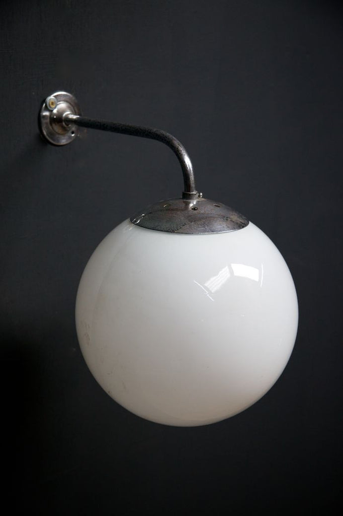 Opaline Wall Light