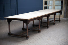 Salisbury Table