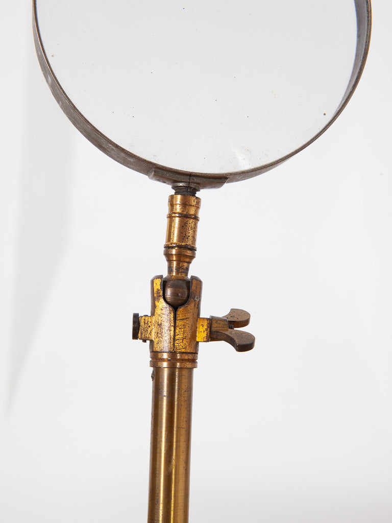 Scientific Magnifying Glass