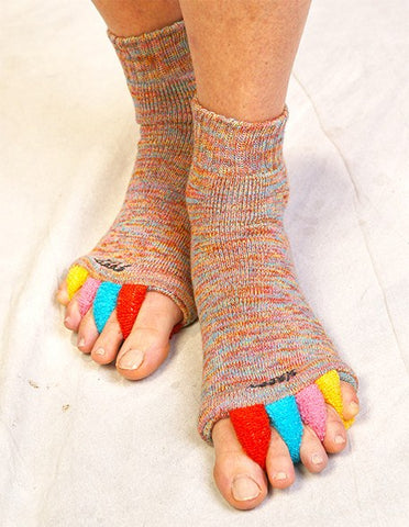 77d8290da72a Yellow Foot Alignment Socks stretch away foot pain – Happy Feet ...