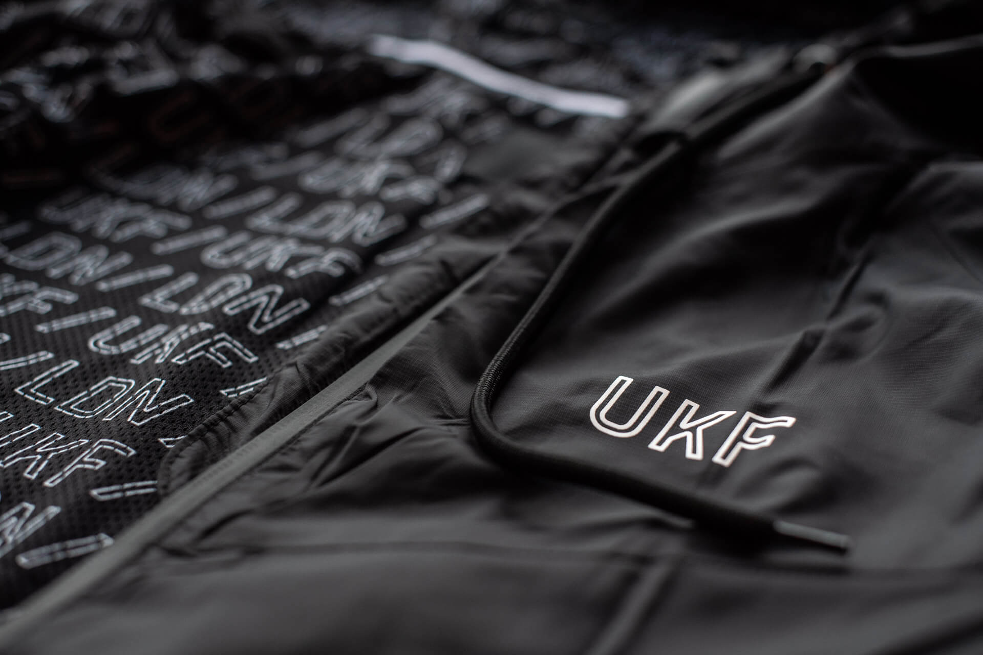 UKF Windbreaker - Made from ultra-lightweight and weather resistant fabric. Its breathable design allows for better heat ventilation. Perfect for Festivals, workouts or general wear.