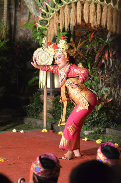 Ubud Bali dancer Sarong dance by Kouamo