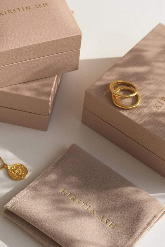 KIRSTIN ASH JEWELLERY KIRSTIN ASH TINY TRUE NORTH COIN - 18K GOLD VERMEIL