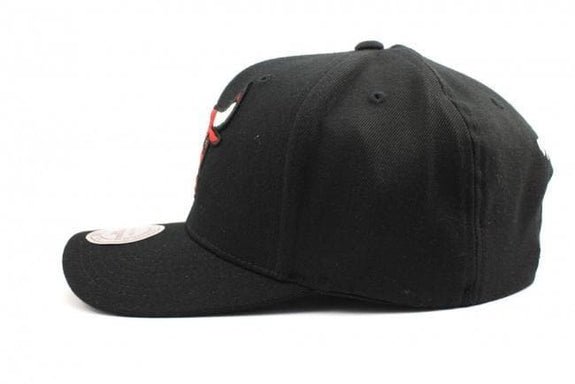 MITCHELL & NESS HEADWEAR MITCHELL & NESS CHICAGO BULLS FLEX 110 - BLACK/RED