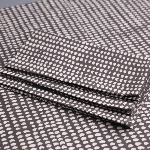 Block Print 4pc Napkin Set / Dark Grey White Dot
