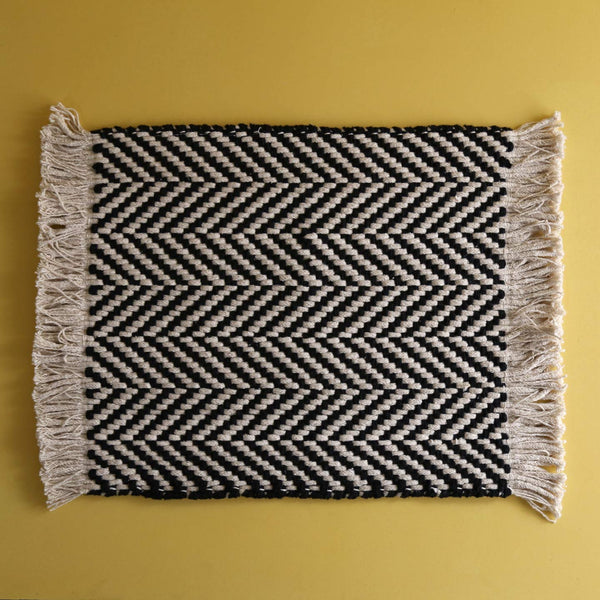 Harris Chevron Placemat / Black