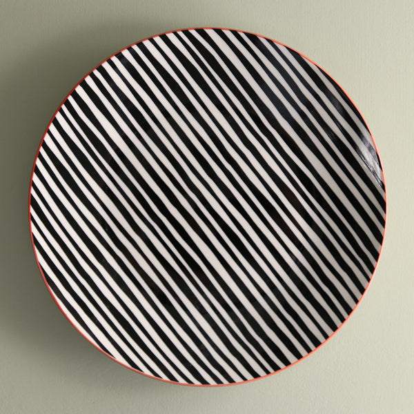 TUE Pattern Dinner Plate /  Black Lines