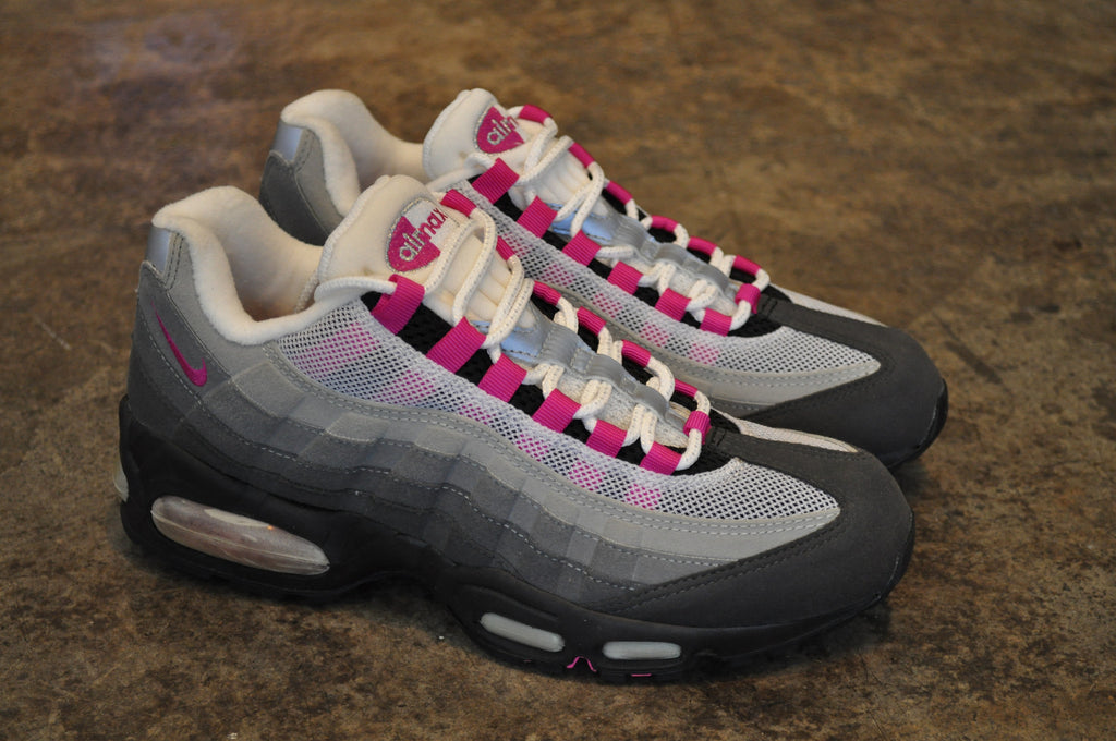 Nike Womens Air Max 95 - Black/Fire Pink