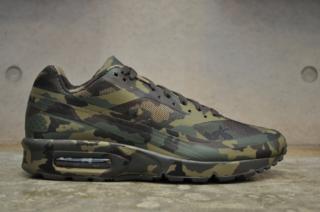Nike Air Classic BW France Camo SP - Medium Olive/Dark Army