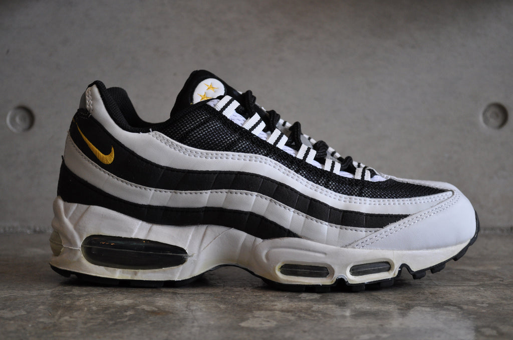 "Nike Air Max 95 ""Juventus"" - White/Yellow Gold-Blk"