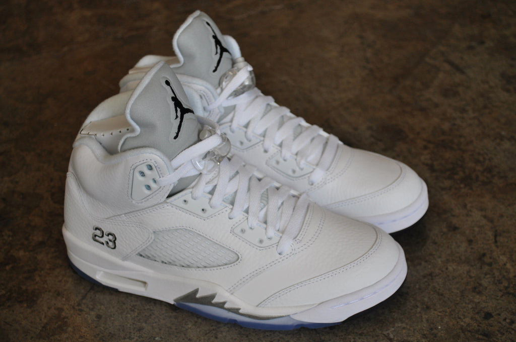 "Nike Air Jordan 5 ""Metallic Silver"" - White/Metallic Silver/Black"
