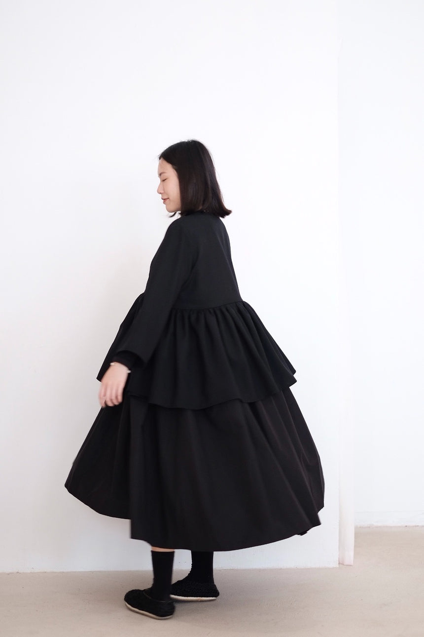 KĒKI LAYER BLOUSES WITH STRAPPING IN WOOL (BLACK)
