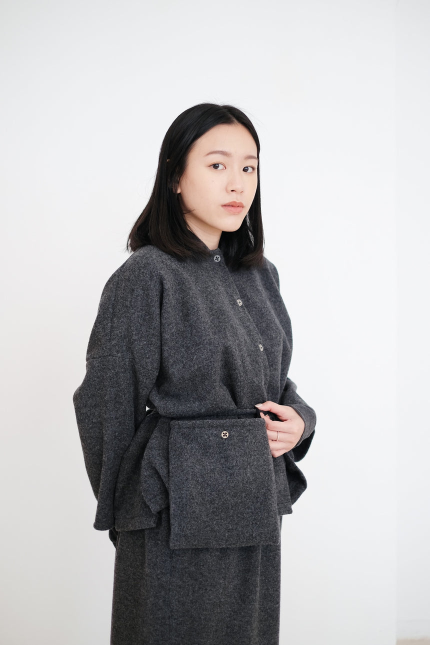 NYLA BOX BLOUSE (GREY)