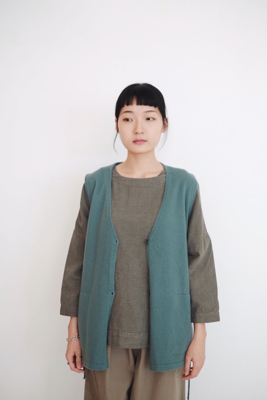 JUMI's GRANDMA VEST (LIGHT GREEN) HIGHLY RECOMMEND!!