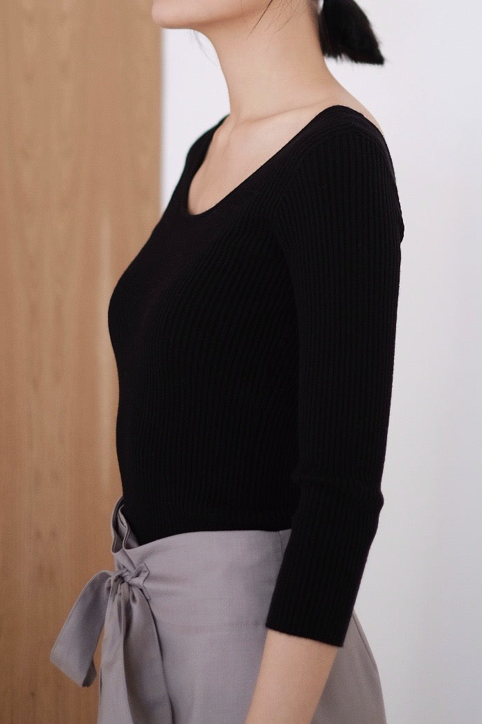 SWAN LAKE KNITTED TOP (BLACK) HIGHLY RECOMMENDED