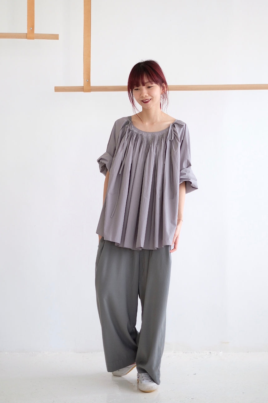 RIVER PLEATED DETAILS SHIRT /grey (老闆娘本月推薦NO.1)