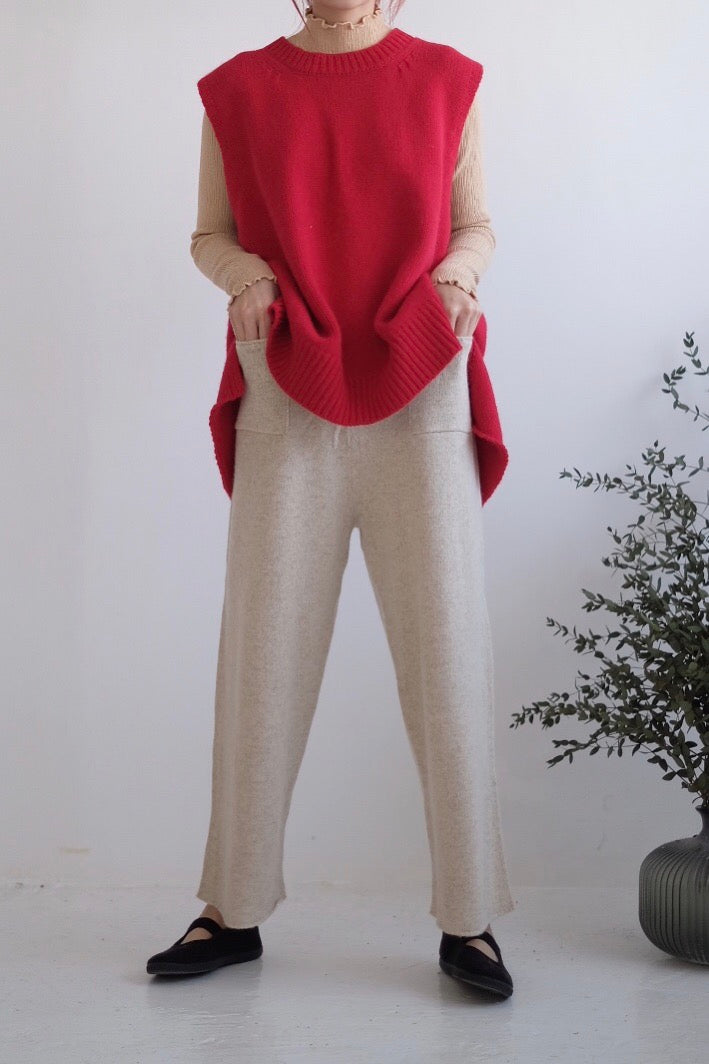 LIGHT KNITTED PANTS