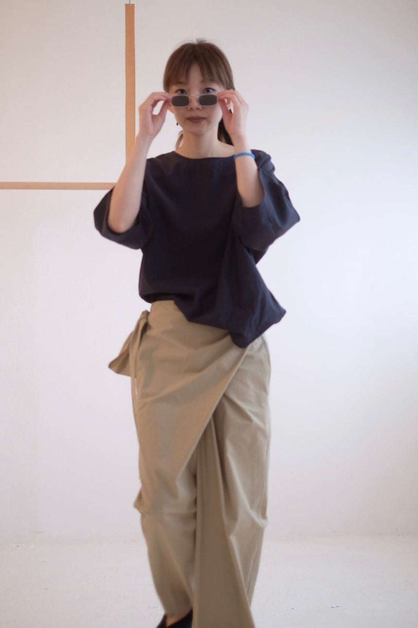 LIGHTWEIGHT CROPPED SHIRT (NAVY)