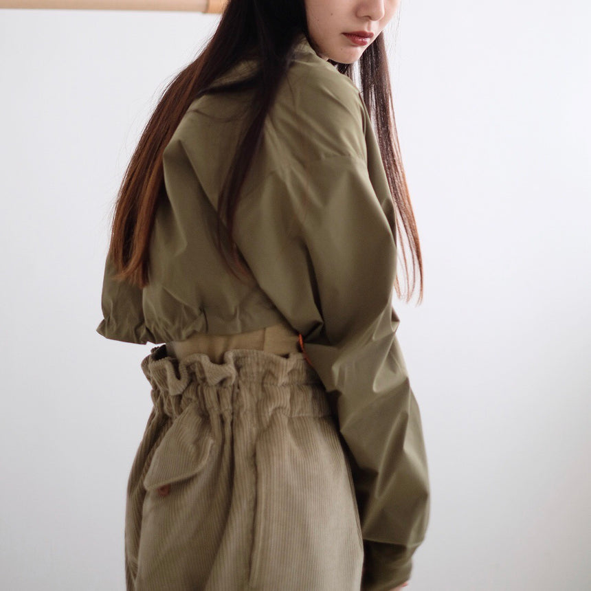 CROPPED WIND CHEATER (olive)
