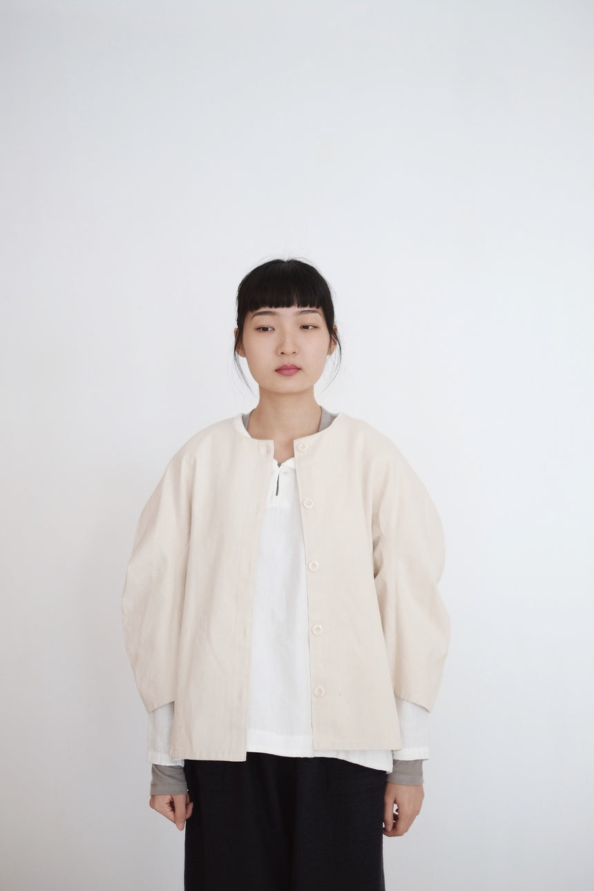 MOONIE JACKET (WHITE)