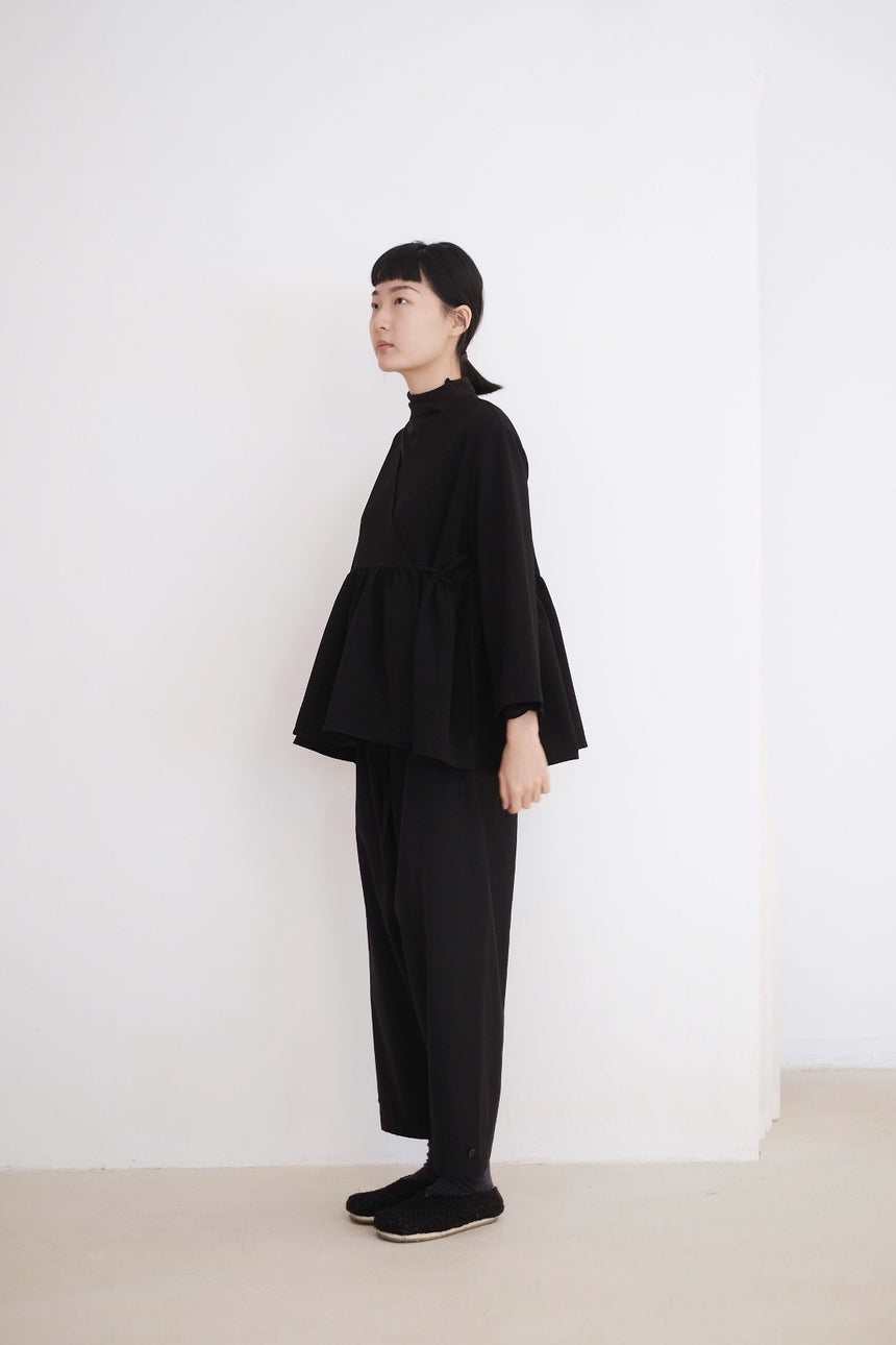 KĒKI LAYER BLOUSES WITH STRAPPING (BLACK)