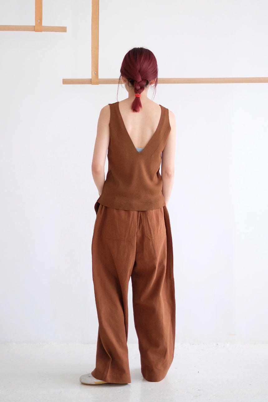 CROPPED V-NECK VEST TOP /brown (Best Buy)