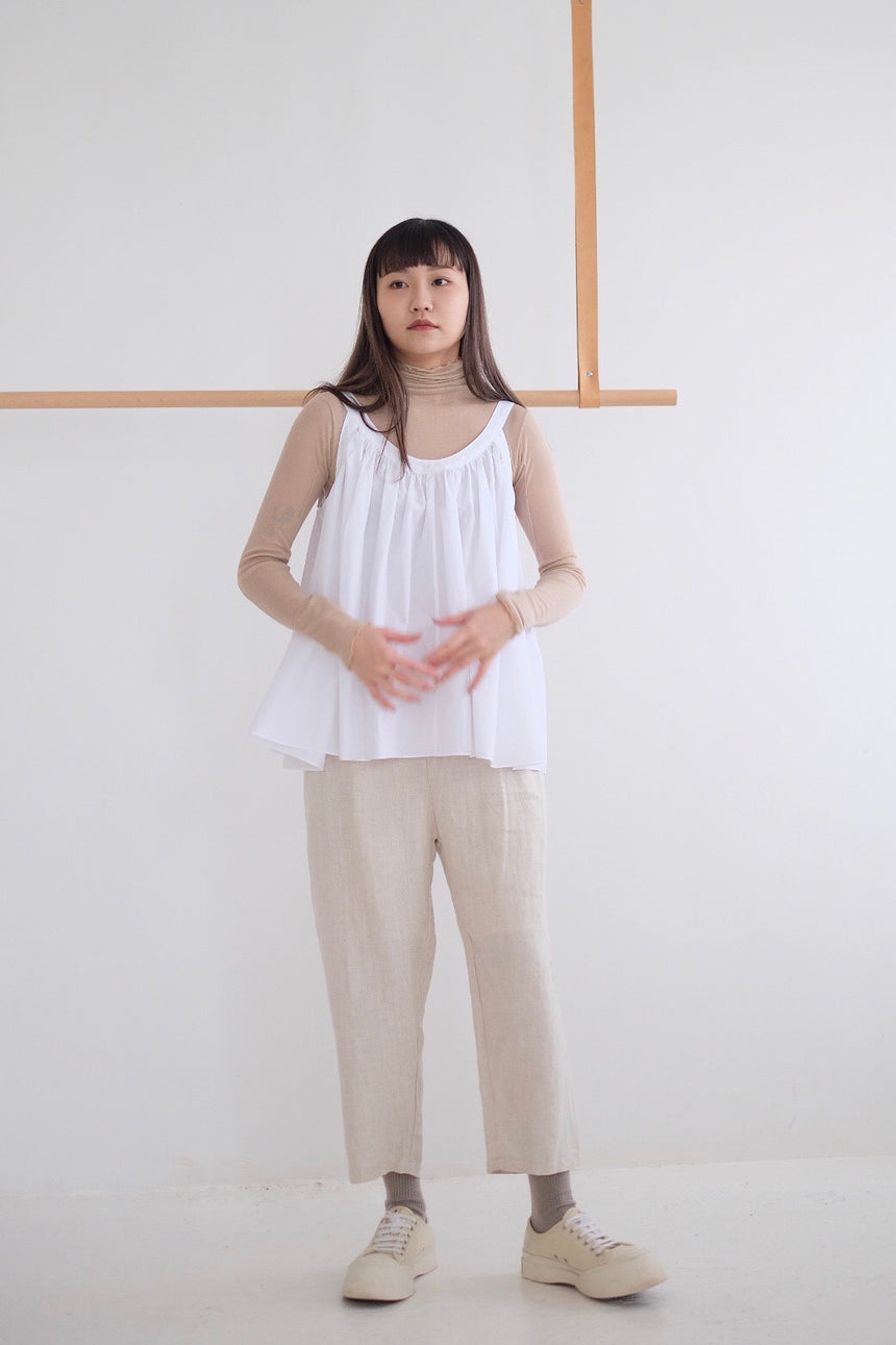 GATHERED VEST /WHITE