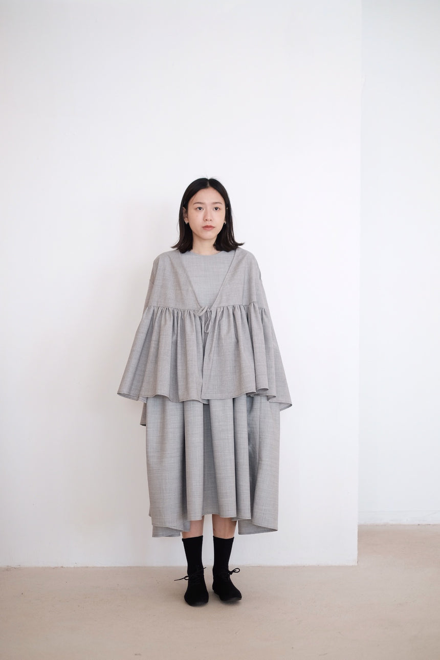 KĒKI LAYER BLOUSES WITH STRAPPING IN GREY