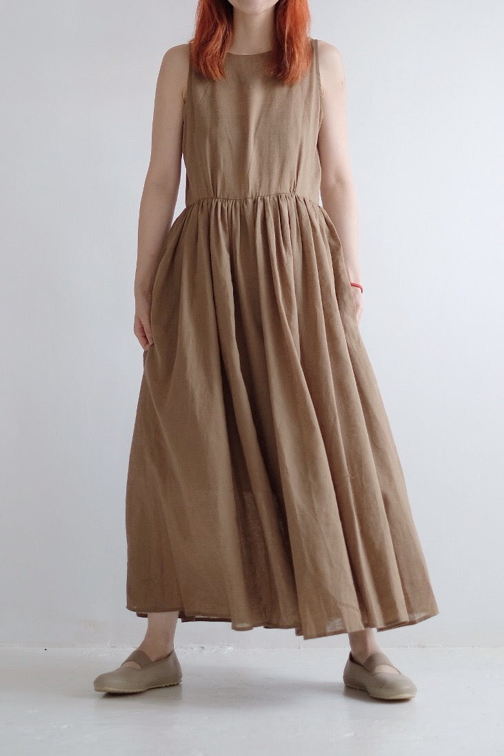 LINEN GATHERED SLEEVELESS DRESS