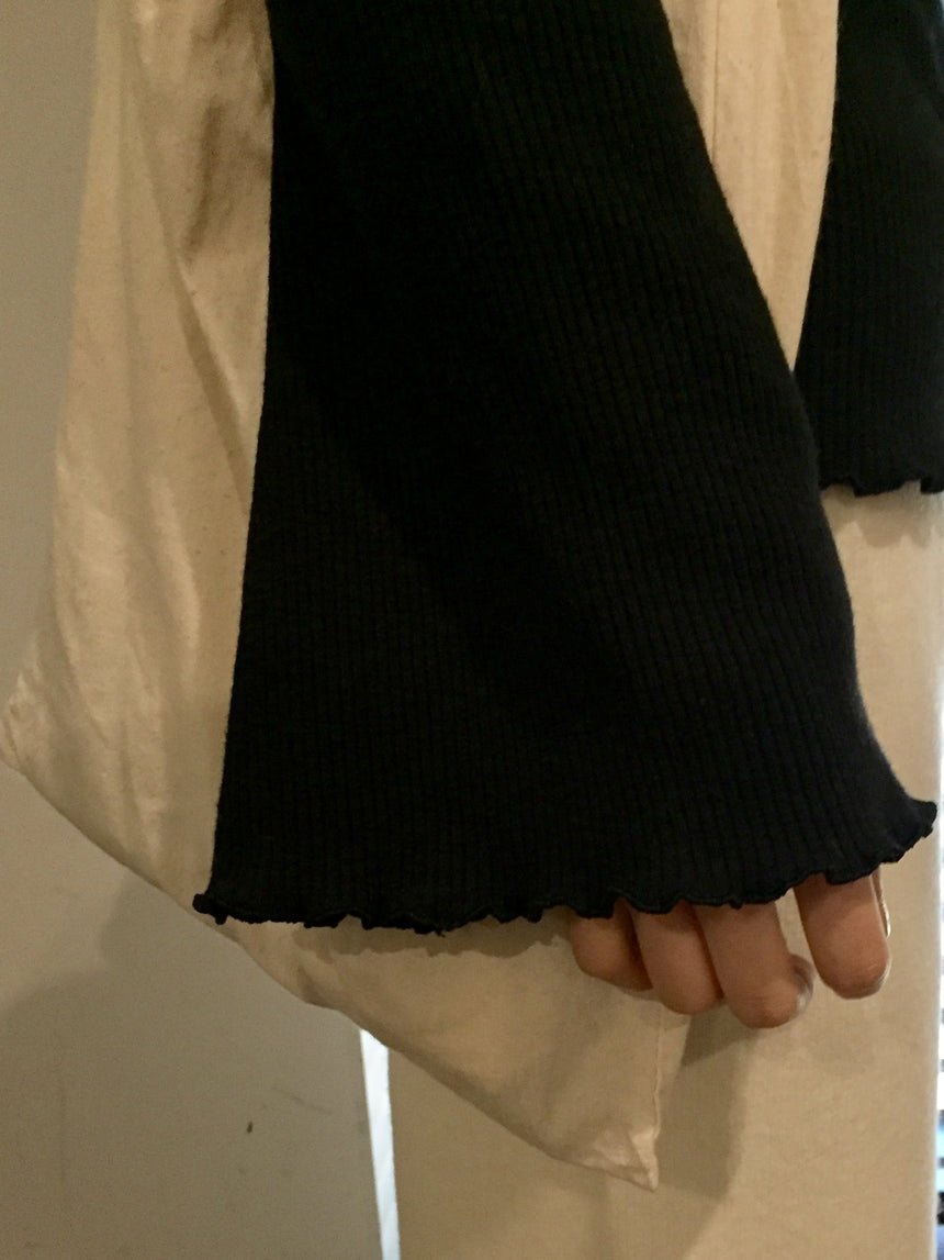 Inner top with ruffles sleeves