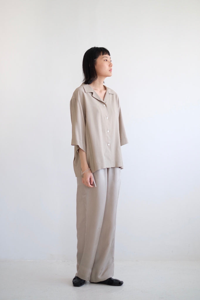 BOYFRIEND SHIRT wz GATHERED BACK (BEIGE)