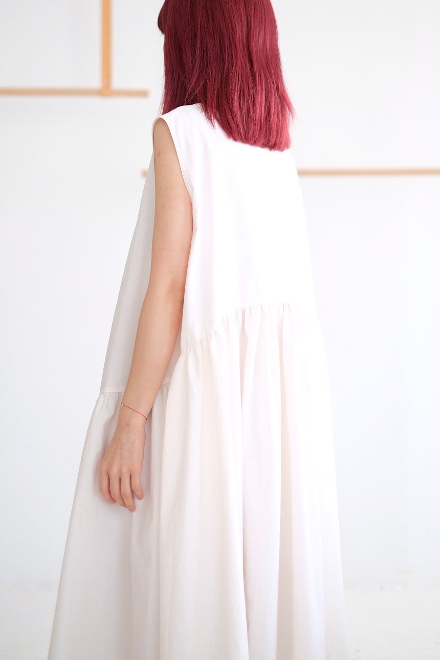 SLEEVELESS MILLET DRESS (WHITE)