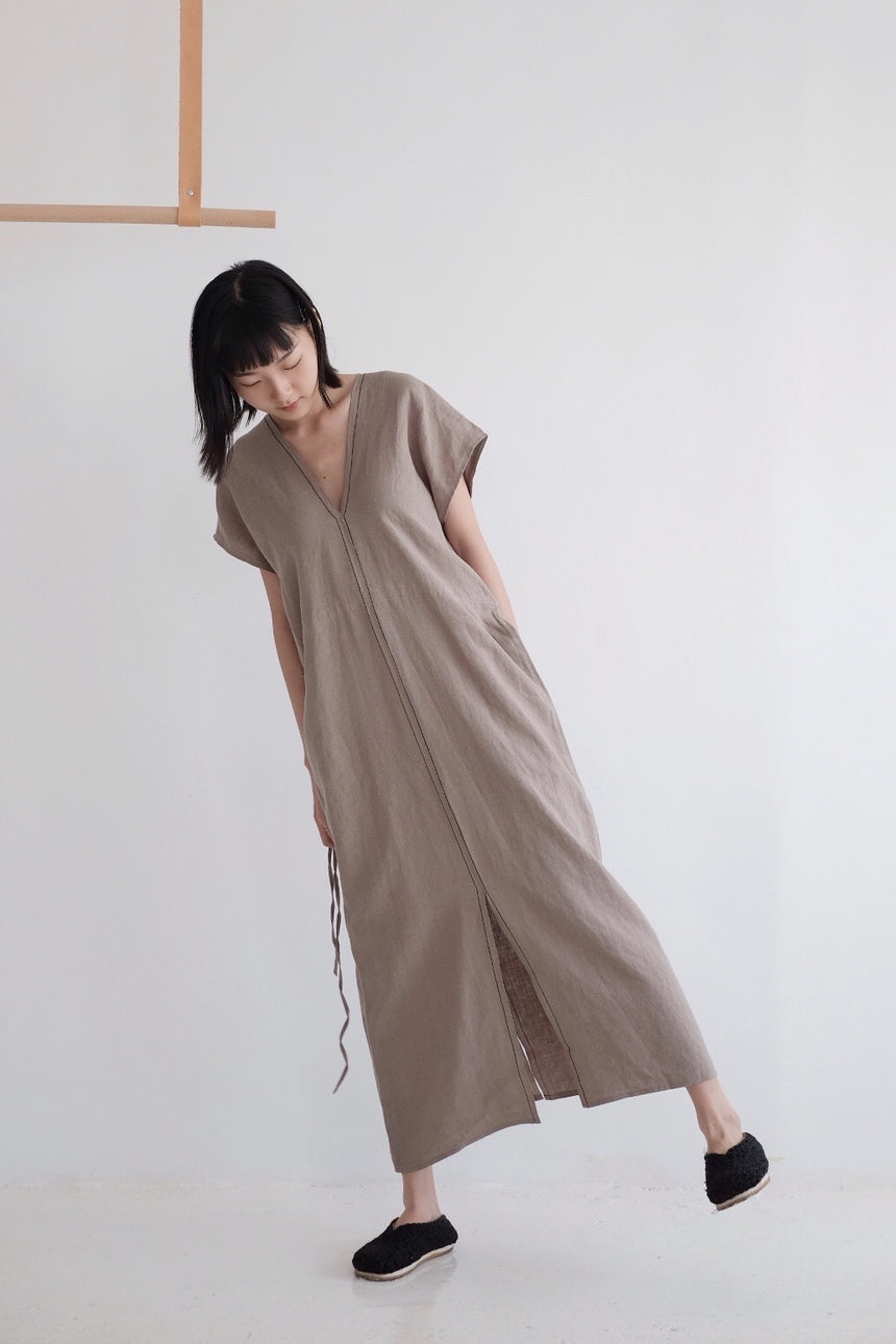 EVERYTHING DRESS (khaki) HIGHLY RECOMMEND! 老闆娘今月至愛:)