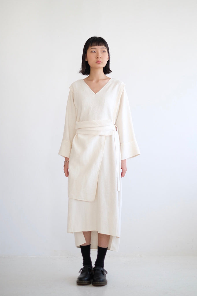 ARI LINEN DRESS (WHITE) (HIGHLY QUALITY)