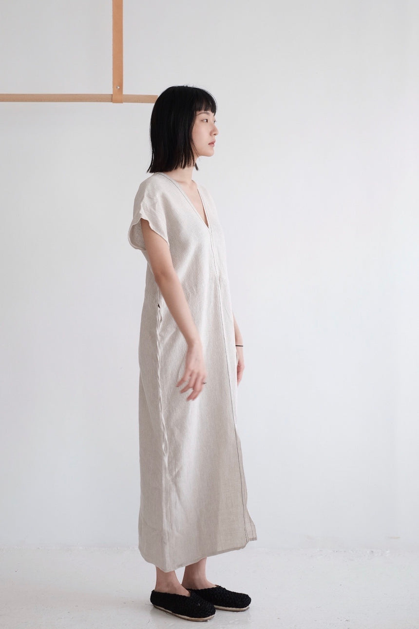 EVERYTHING DRESS (beige)HIGHLY RECOMMEND!老闆娘今月至愛:)
