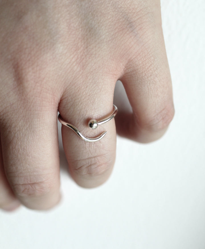 Apollo Ring by M of Copenhagen on models hand