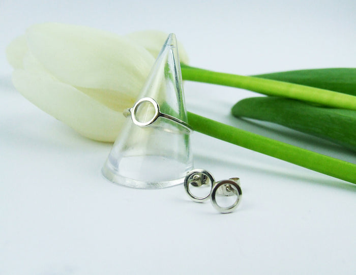 Continuum earrings and ring by M of Copenhagen showcased
