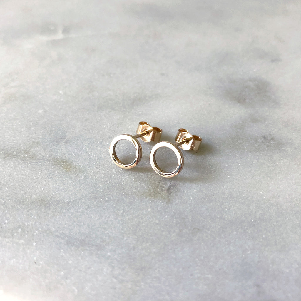 9ct recycled Gold Continuum Earrings by M of Copenhagen