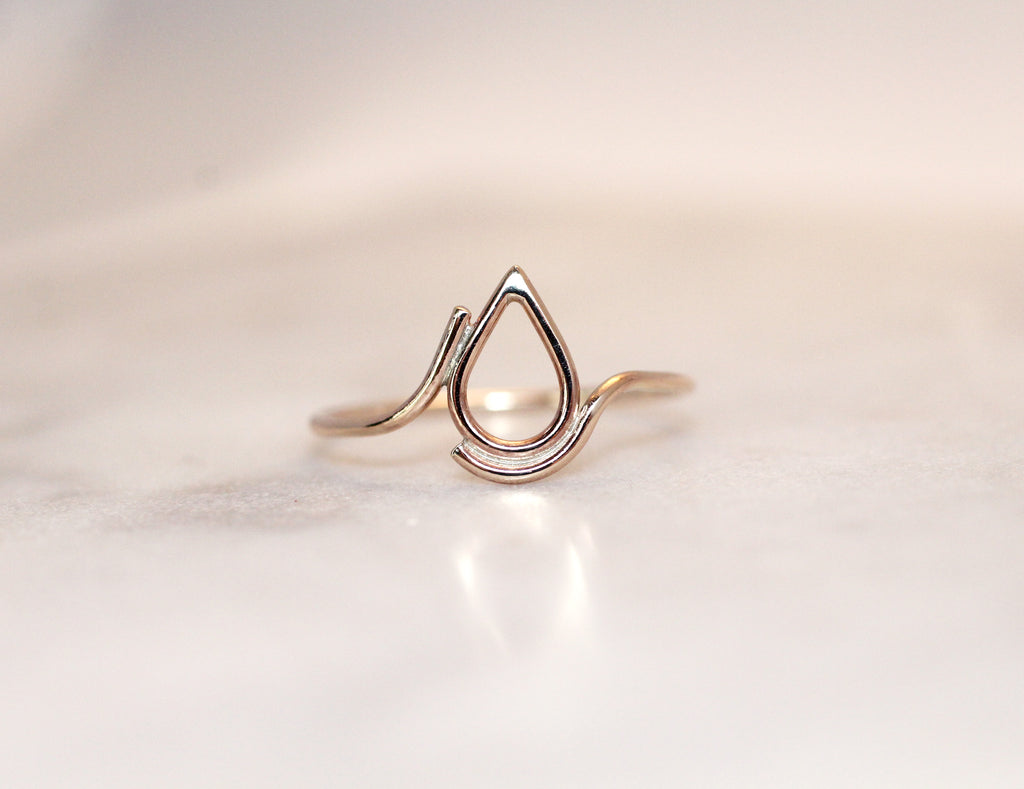Filippa 9 ct gold ring by eco jeweller M of Copenhagen